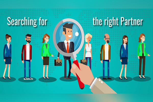HOW TO IDENTIFY THE RIGHT OFFSHORING/OUTSOURCING PARTNER